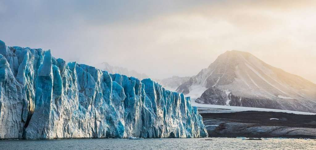 svalbard photography tour with rayann elzein