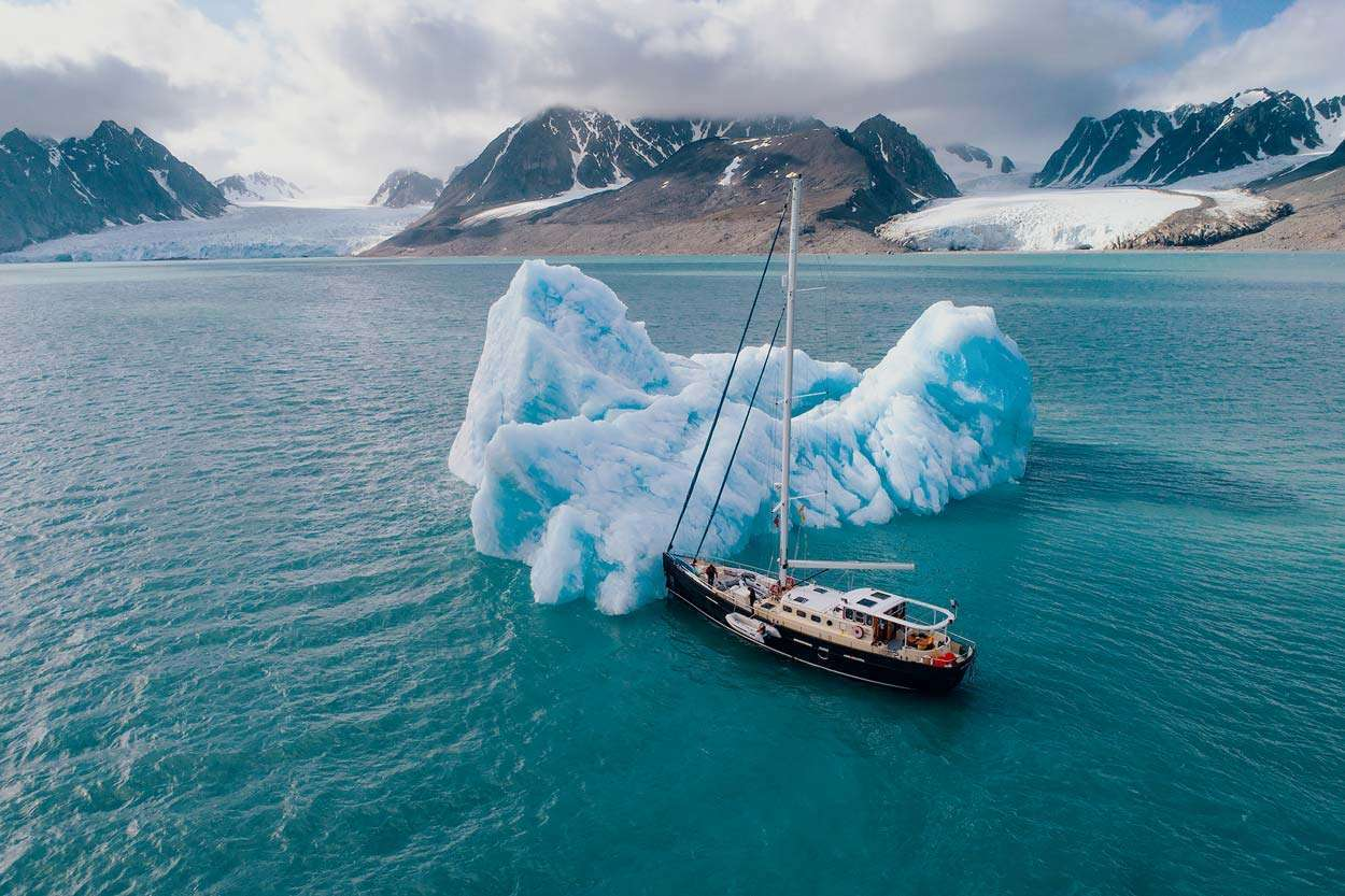 svalbard sailing circumnavigation