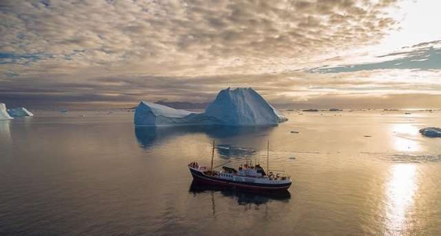 greenland cruise on a small expedition vessel