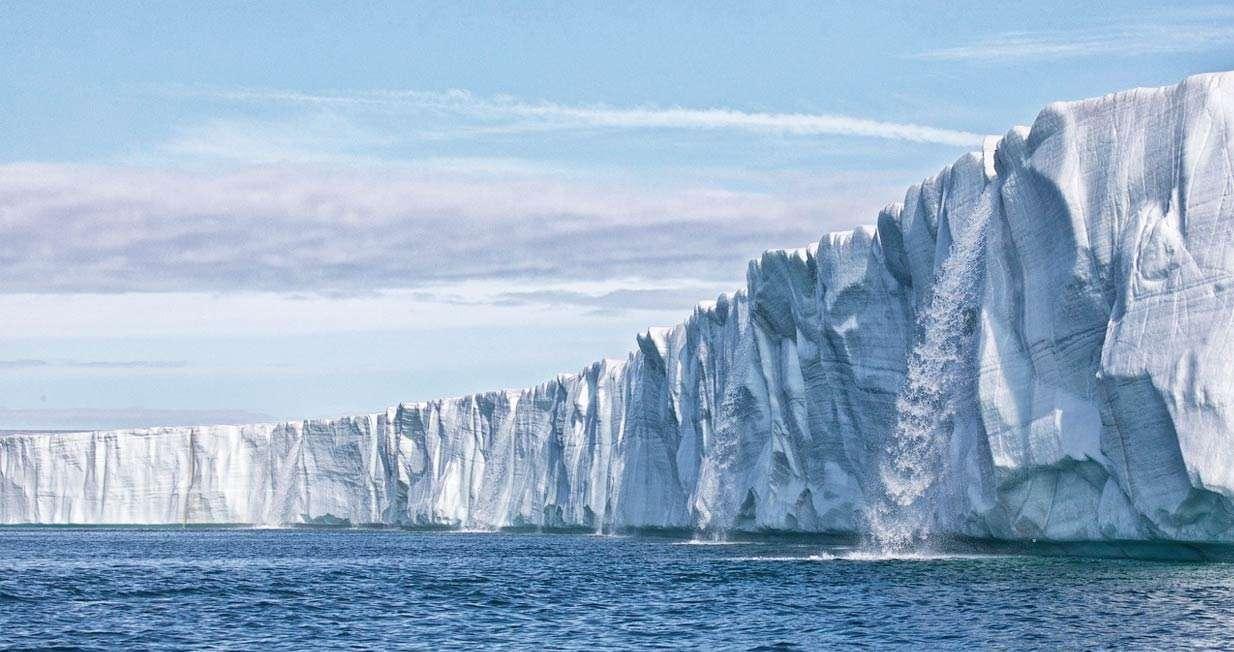 Svalbard circumnavigation cruise