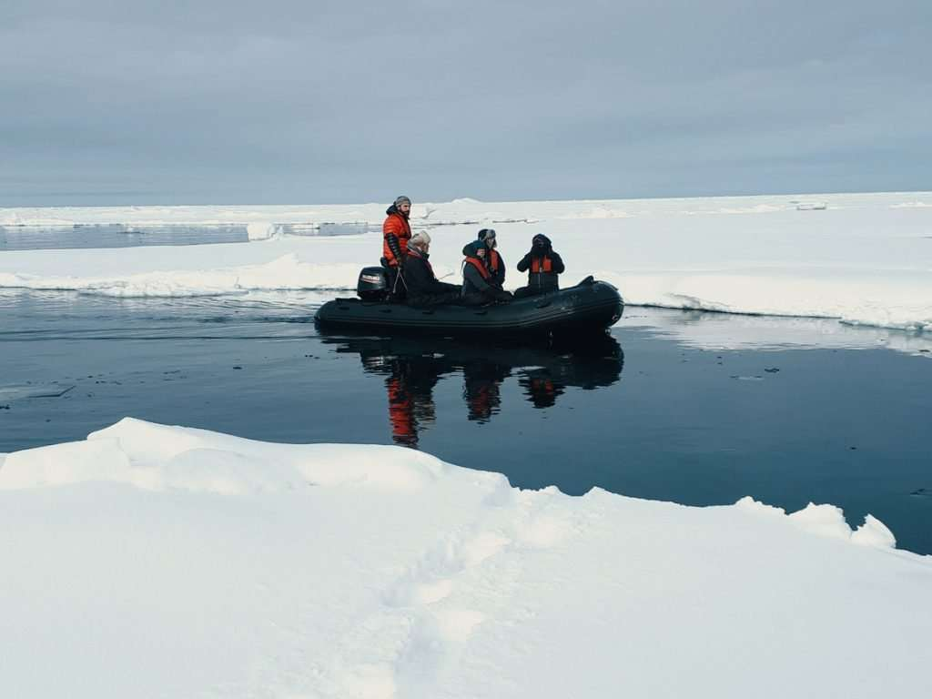 zodiac cruise in Svalbard