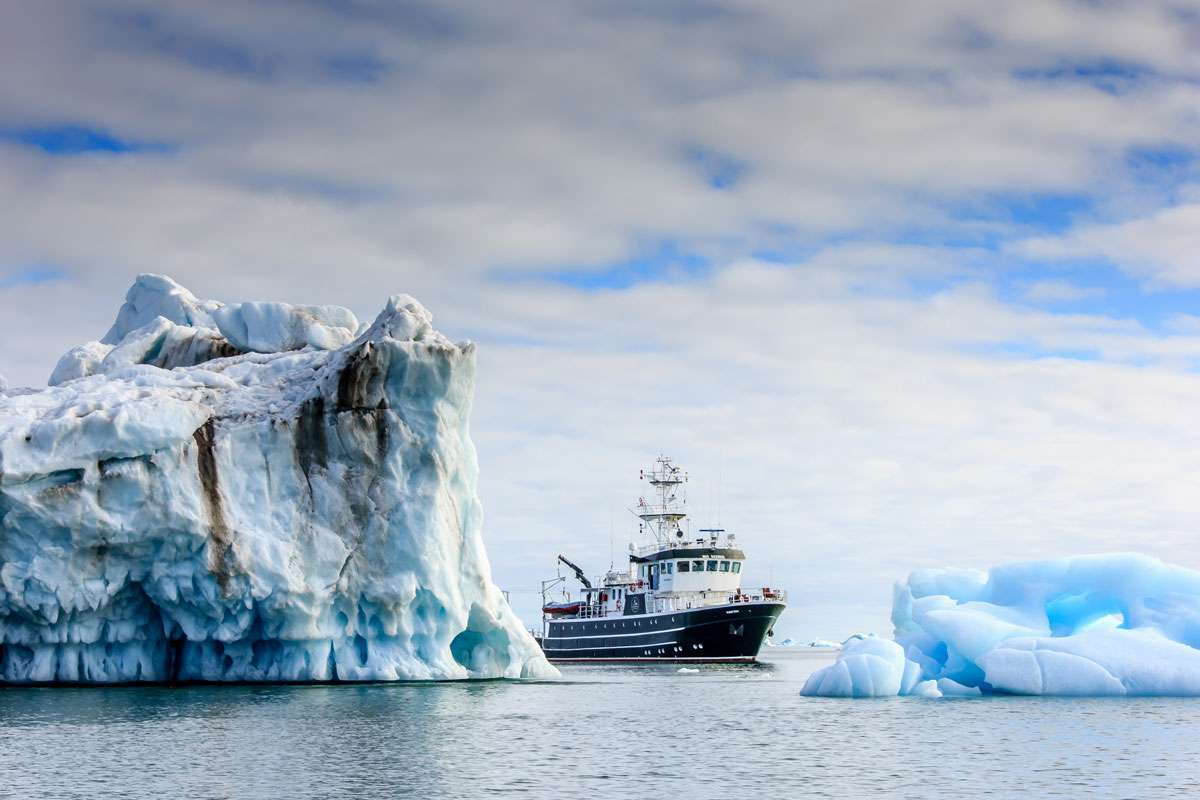 motor expedition yacht charter